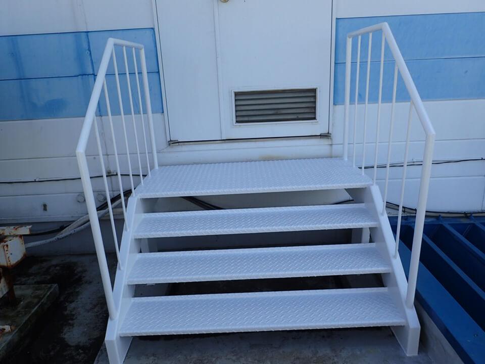 D株式会社階段塗装工事_afterの写真