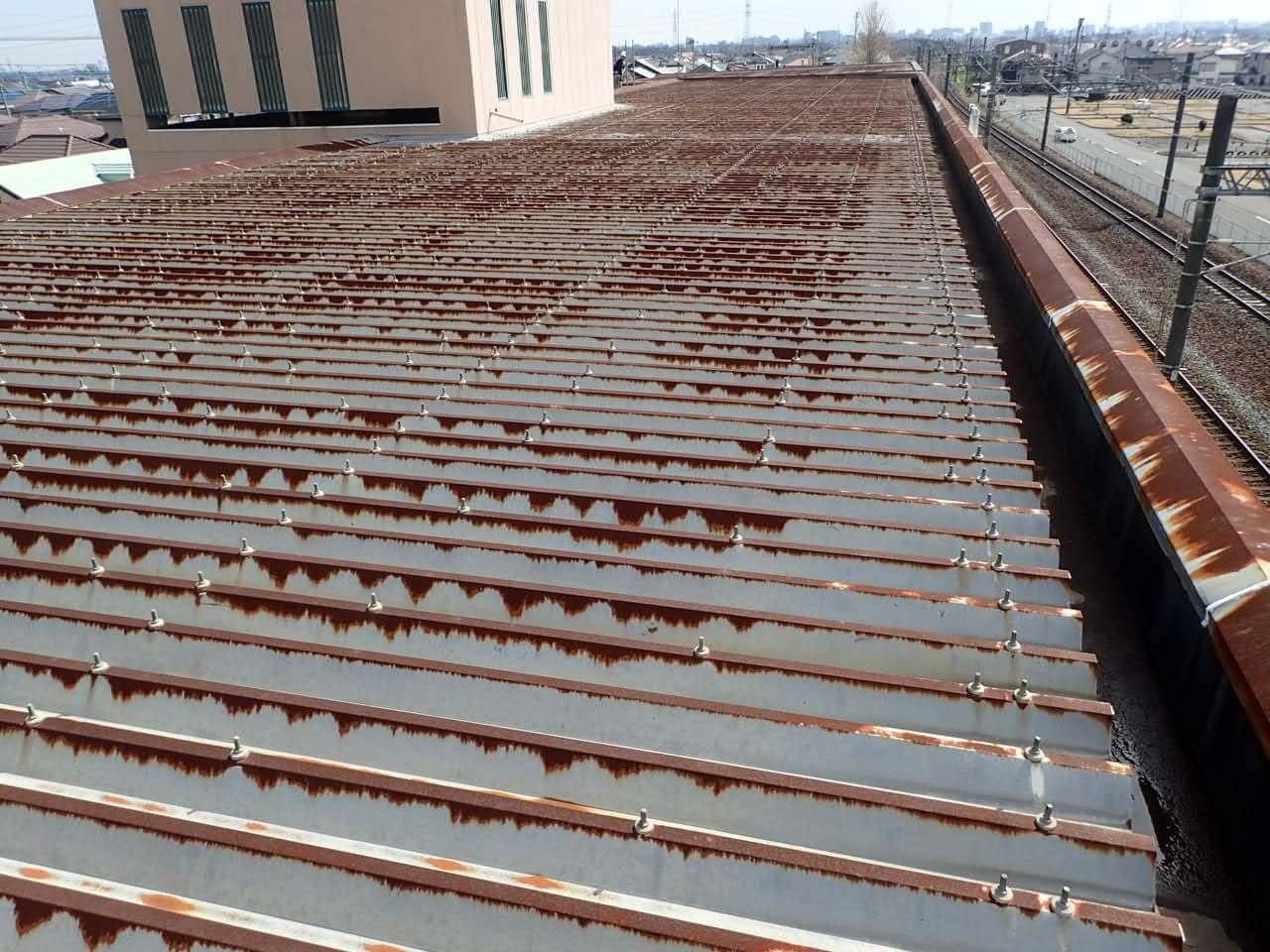 K高等学校折板屋根塗装工事_beforeの写真